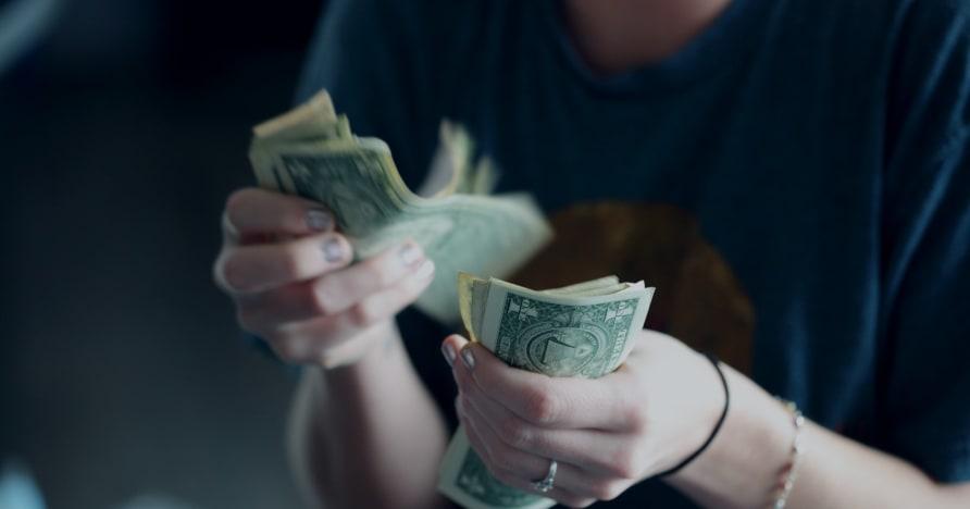 Как казината подмамват играчите да харчат повече пари