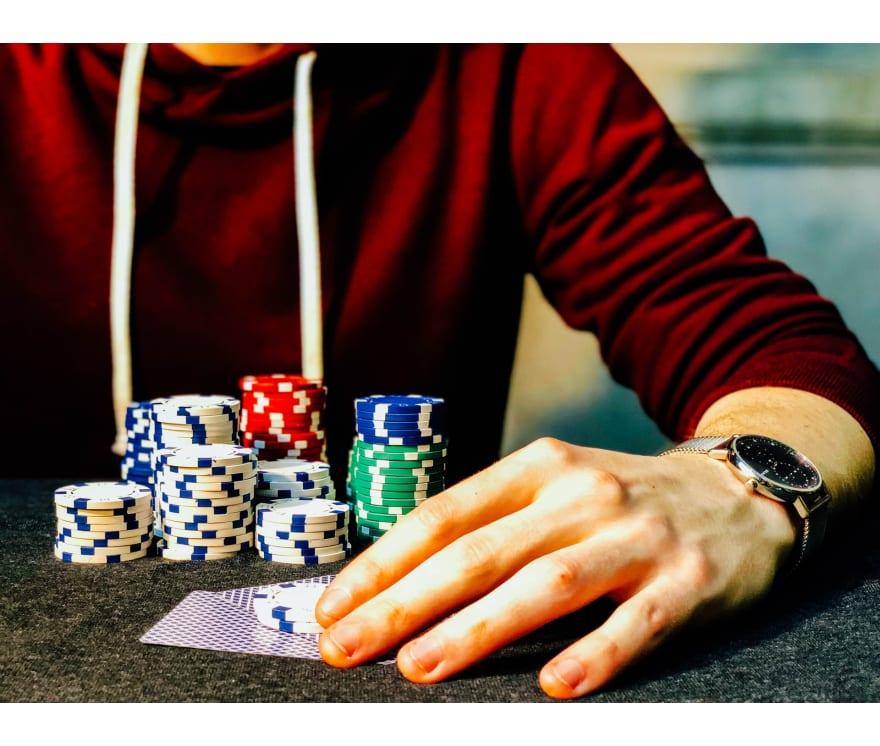 Играйте Казино холдем онлайн – Топ 28 Онлайн казиноа, плащащи най-много за 2021 г.